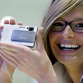 kompaktnaya-kamera-290x290 Как выбрать фотоаппарат: современные устройства для создания фотоснимков