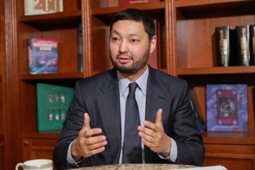 9a018d9b9feffb682a438a213ecc36ce_L Кенес Ракишев – один из самых известных казахстанских бизнесменов.